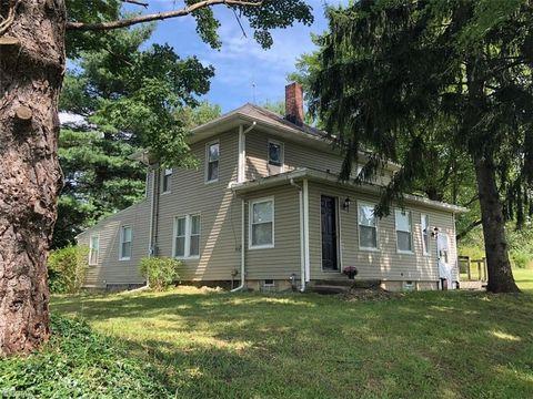 Photo of 2587 Ridge Rd, Hinckley, OH 44233