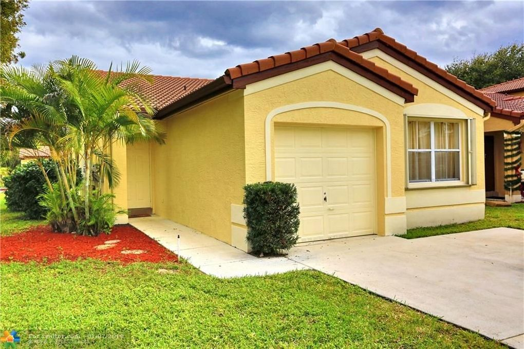 154 NW 44th Ter Deerfield Beach, FL 33442