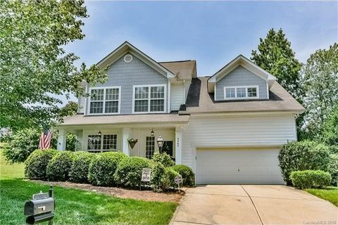 2242 Bleckley Ct, Charlotte, NC 28270