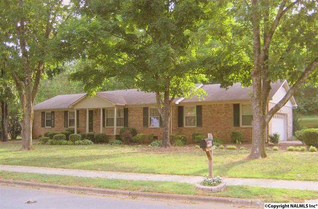 8006 Hickory Hill Ln Se, Huntsville, AL 35802