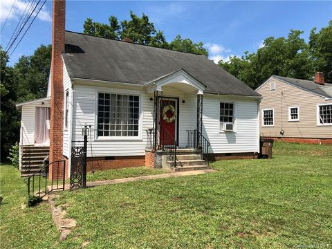 Photo of 706 Kings Rd, Shelby, NC 28150