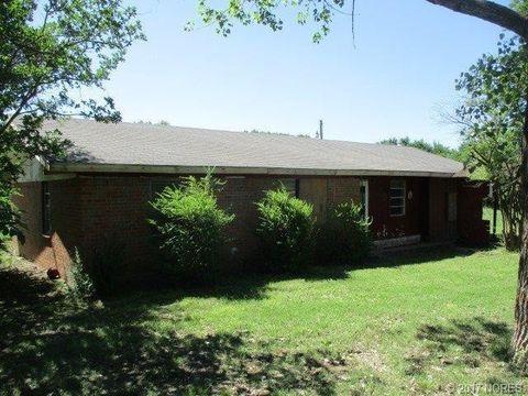 494 S Mitchell Rd, Stringtown, OK 74569