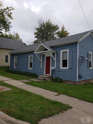 201 N D St, Fairfield, IA 52556