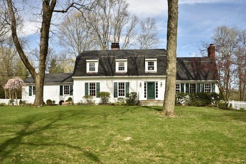 Photo of 20 Country Club Rd, New Canaan, CT 06840