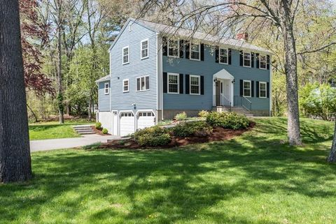 5 College Cir, Andover, MA 01810