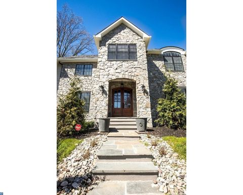 6 Silvers Ct, Pennington, NJ 08534
