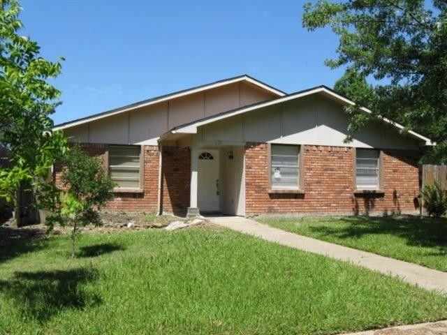 6117 Cedar Ln, Rowlett, TX 75089