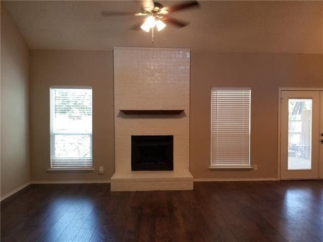 2206 W Nathan Lowe Rd, Arlington, TX 76017