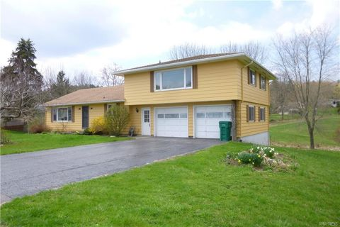 Photo of 205 Capitol Hts, Holland, NY 14080