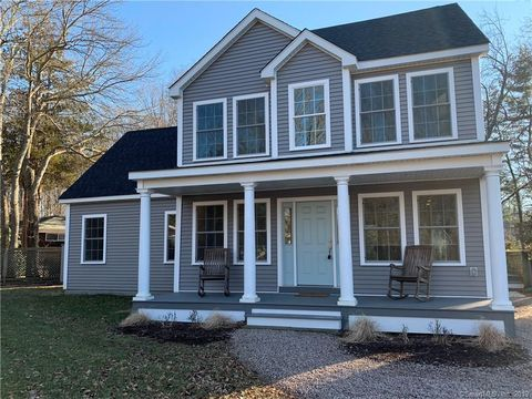 Photo of 144 Old Sachems Head Rd, Guilford, CT 06437