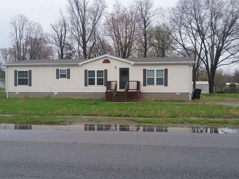 413 N Division St, Norris City, IL 62869