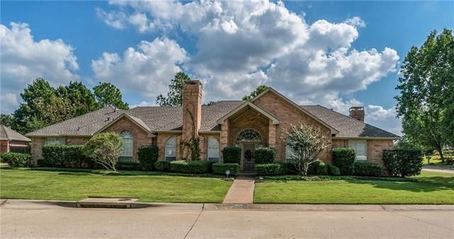 2870 Hillside Dr Highland Village, TX 75077