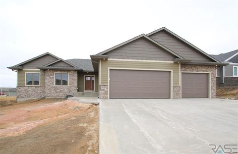 Photo of 6016 W Whistler Ct, Sioux Falls, SD 57107
