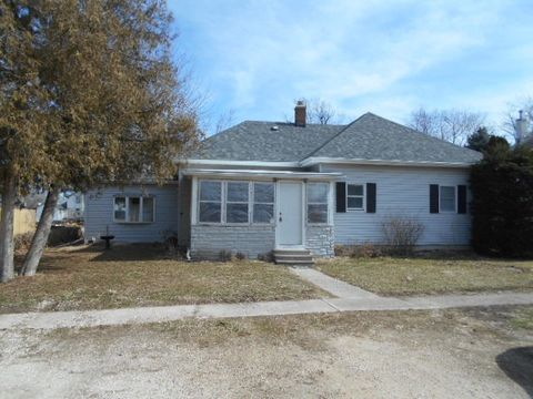406 4th Ave W, Lyndon, IL 61261