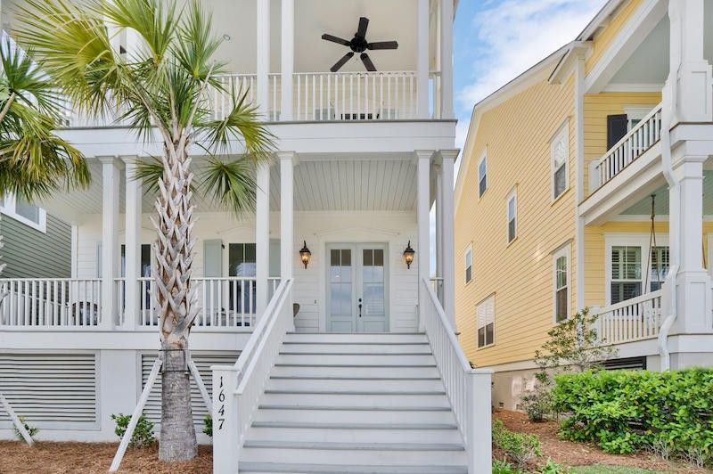 1647 Pierce St, Charleston, SC 29492