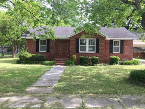 604 Shelby Ave, Shelby, MS 38774