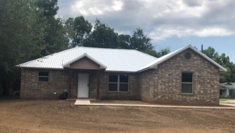 Photo of 800 E Main St, Whitesboro, TX 76273