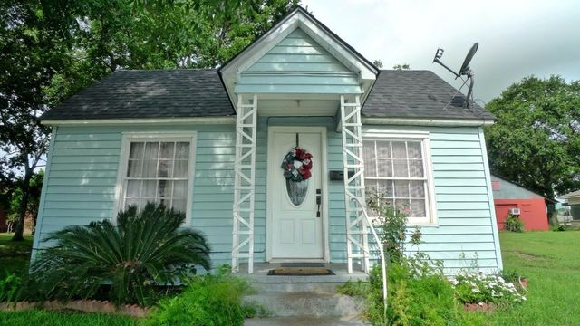 417 w front st sealy tx 77474 home for sale and real
