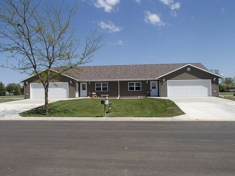 205 And 207 N Madison St, Groton, SD 57445