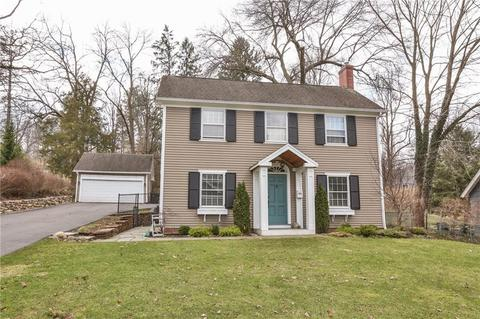 27 E Jefferson Rd, Pittsford, NY 14534