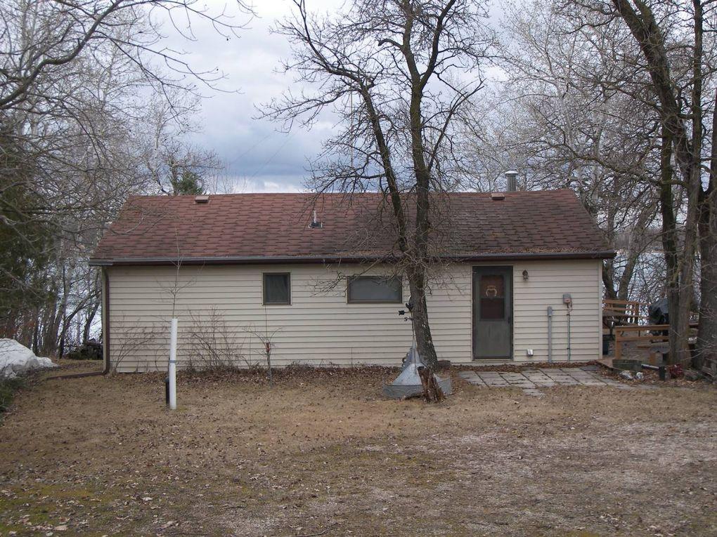 38 Roadside Ranch Rd Bottineau, ND 58318