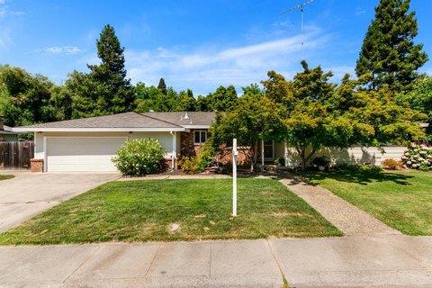 4901 Forrestal St, Fair Oaks, CA 95628