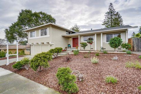 22414 Riverside Dr, Cupertino, CA 95014