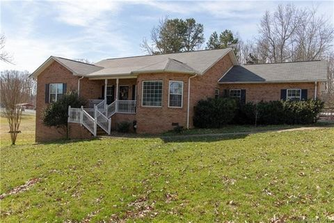 Photo of 2232 Triplett Rd, Mount Ulla, NC 28125