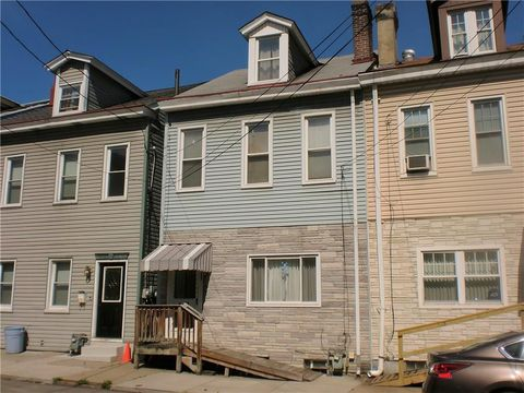 Photo of 5153 Carnegie St, Lawrenceville, PA 15201