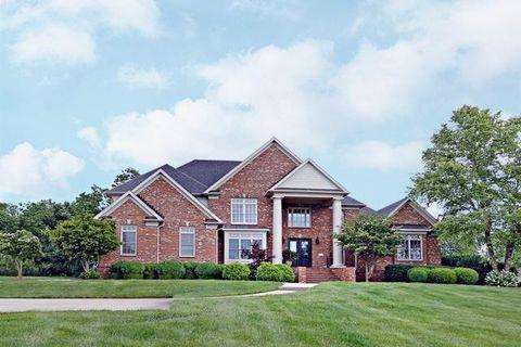 Photo of 2425 Williamsburg Estates Ln, Lexington, KY 40504