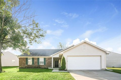 Photo of 1821 Windy Hill Ln, Indianapolis, IN 46239