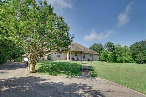 Photo of 5900 Post Oak Dr, Alvarado, TX 76009