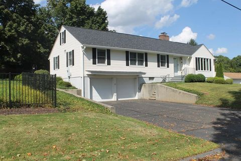15 Beacon Hill Rd, West Springfield, MA 01089