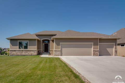 Photo of 603 N Daylily Dr, Lawrence, KS 66049