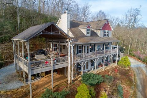 Photo of 142 Willow Cove Rd, Franklin, NC 28734