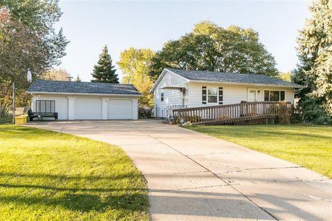 Photo of 155 Oklahoma Ave Sw, Cedar Rapids, IA 52404