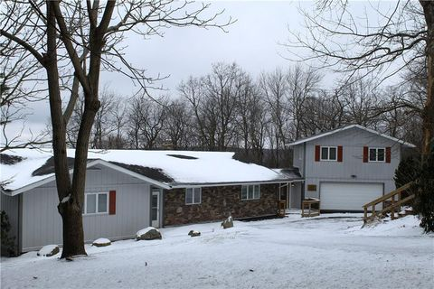 Photo of 282 Alpine Heights Rd, Saltlick Township, PA 15622