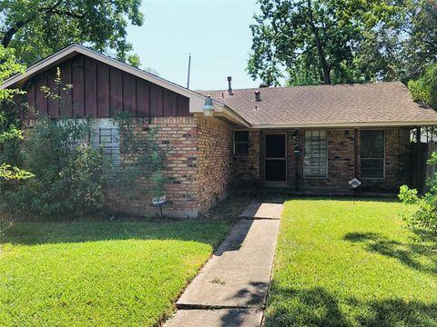 Photo of 1038 Eastlake St, Houston, TX 77034