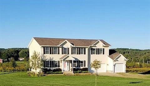 18290 Maple Dr, Saegertown, PA 16433