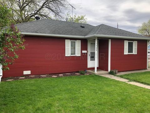 Photo of 1706 11th Ave N, Fargo, ND 58102