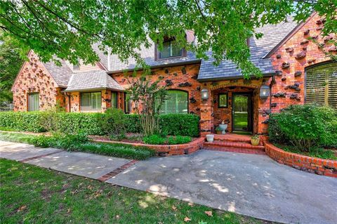 Fabulous Edmond Ok Houses For Sale With Swimming Pool Realtor Com Home Interior And Landscaping Analalmasignezvosmurscom