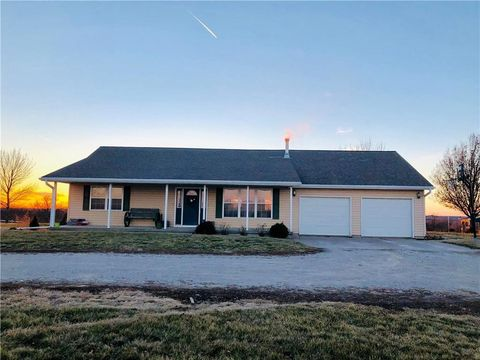 Photo of 38481 Mint Rd, Guilford, MO 64457