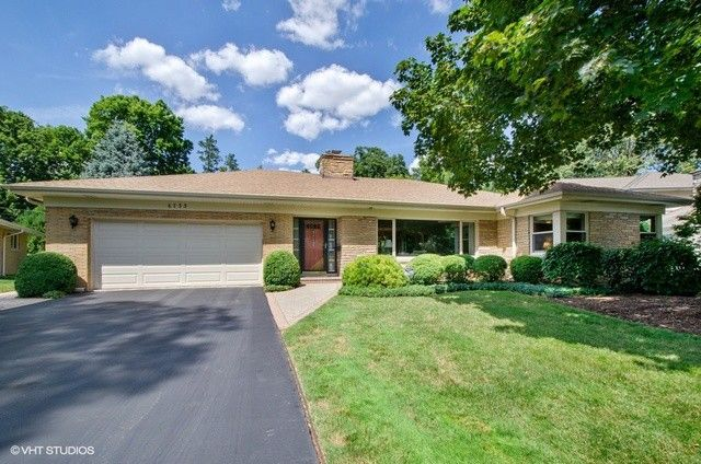 6733 N Edgebrook Ter Chicago, IL 60646