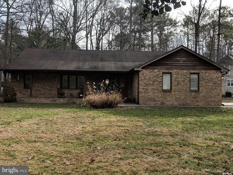 Photo of 14800 King Charles Dr, Swan Point, MD 20645