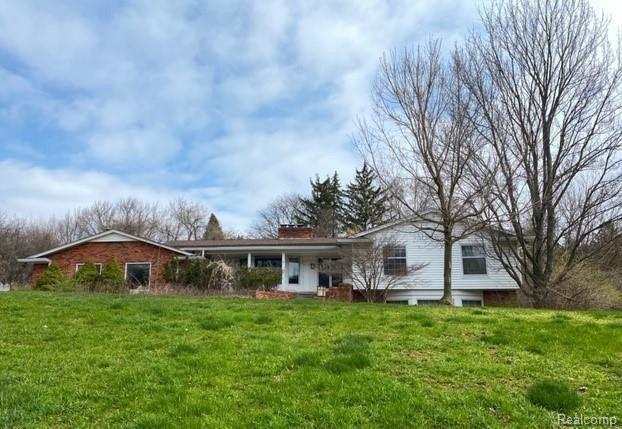 1620 Kensington Rd Bloomfield Hills, MI 48304