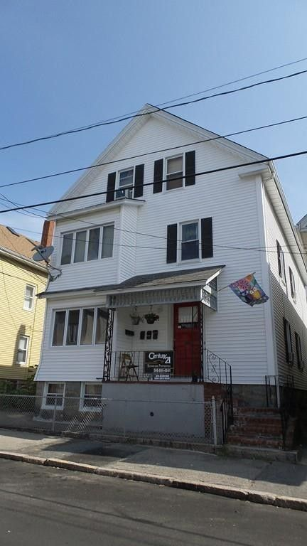 183 Washington St, New Bedford, MA 02740