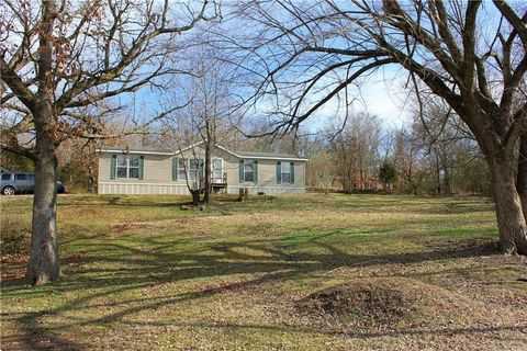 Photo of 321 Wallin Mountain Rd, Greenland, AR 72774