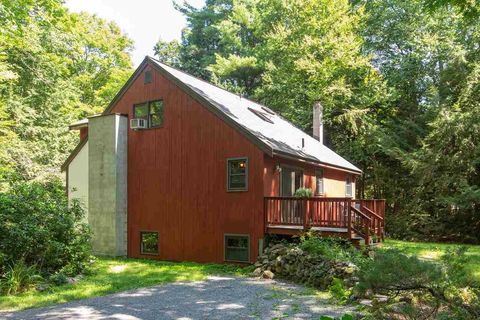 25 Walnut Hill Rd, Derry, NH 03038