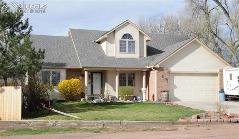 Photo of 423 Chamberlin Pl, Colorado Springs, CO 80906