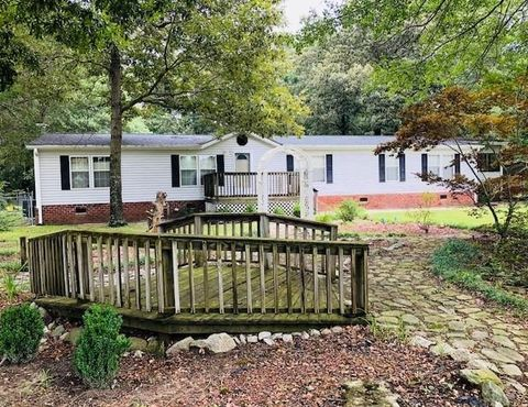 Photo of 373 Sanderson Rd, Seven Springs, NC 28578